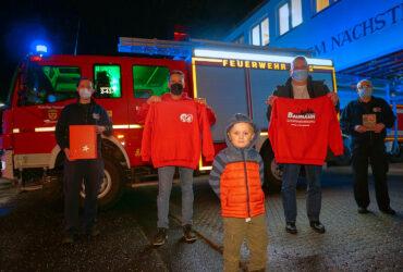 Gebäudereinigung Daniel Baumann spendet Feuerwehr Weihnachtsgeschenke