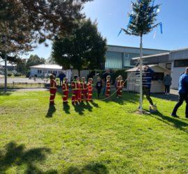 Traditionelles Schubkarrenrennen zur Meddeler Kerb